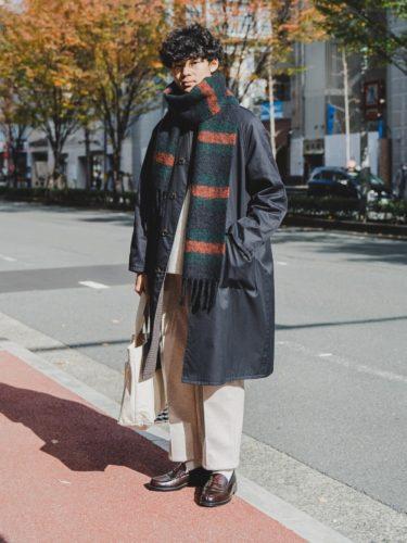 ワイドパンツに革靴を合わせた街のおしゃれさんコーデ紹介