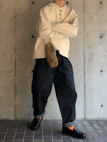 オレンジソックス×革靴