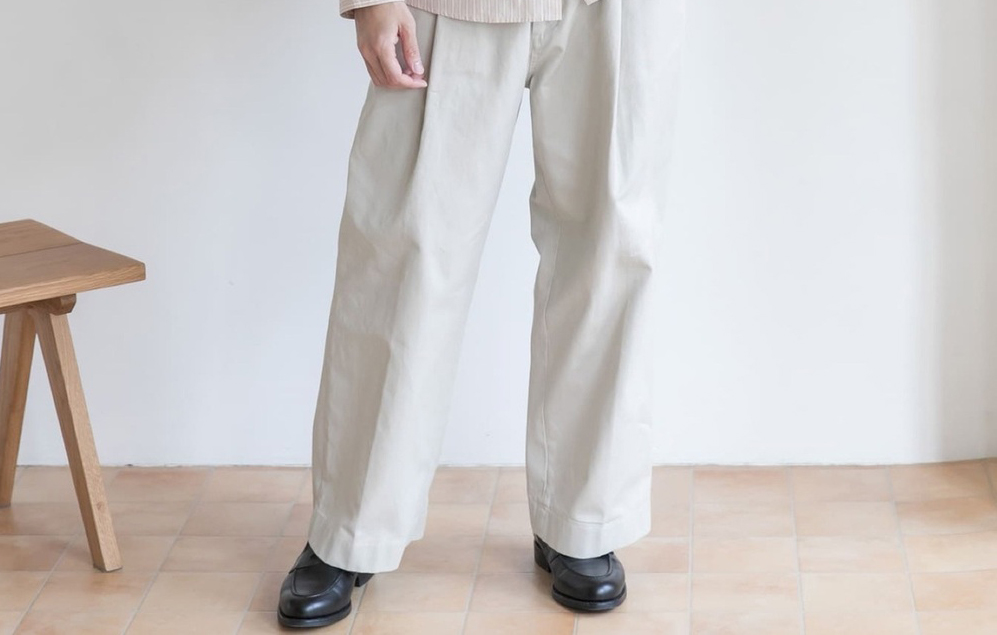 【メンズコーデ】トレンドのワイドパンツには革靴を合わせるとカッコよくハマる!